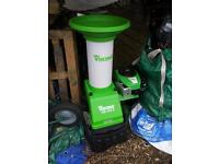 Viking GB 370 S Petrol Garden Shredder