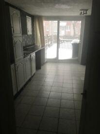 3 Bedroom Back and Front Door to Rent Millcroft Cumbernauld