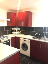 Studio flat to rent in East Acton. DSS applicants accepted. £900 pcm. Brand NEW. Including Bills.