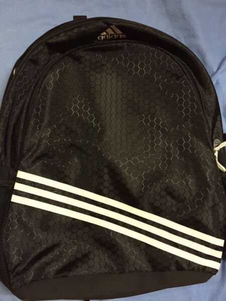 adidas rucksack wie neu in nordrhein westfalen. Black Bedroom Furniture Sets. Home Design Ideas