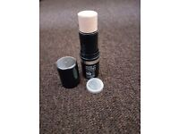 Make up ultra hd stick foundation Y215