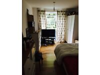 Beautiful double room available soon in two bedroom flat 160 x week all included