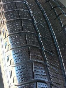 225/65/17 Michelin Latitude Xice 7/32