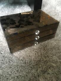 Floral mirror jewellery box