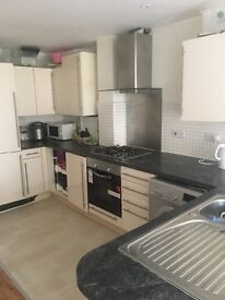 Double Room with En-suite in houseshare