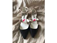 New flat shoes size 6