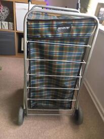 Newbury four wheel shopping trolley