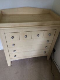 Mama's & Papa's Chest of Drawers / Cot Top Changer / kids / baby Furniture