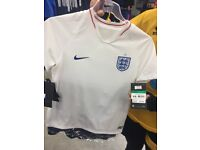 New England shirt m/l/xl/xxl please say what size you need