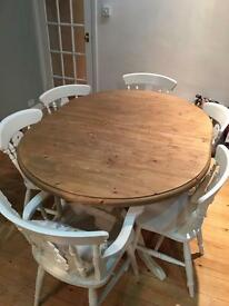 Beautiful pine dining table & 4 chairs (seats 8)