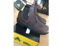 Amblers safety boots brand new in box size 11 (brown)