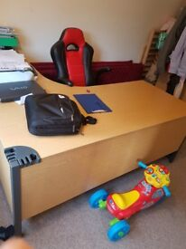 Excellent condition office desk for sale because lack of space.