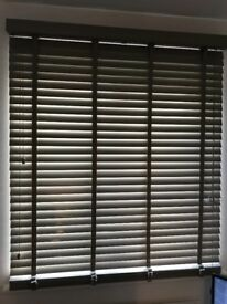 Venetian blind 120cm wide with all brackets and screws