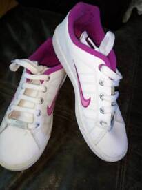 Nike trainers - size 5