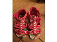 Sandals size 4