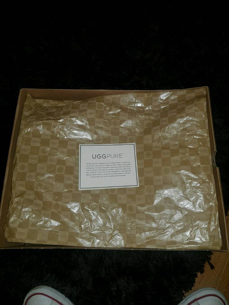 **BRAND NEW** UGG Boots