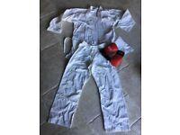 *Kids' Karate Kit (Gi) Age 9-10 / 150cm years approx PLUS Blitz Karate Gloves (S) both in EXC*