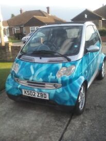Smart car cabriolet Numeric blue