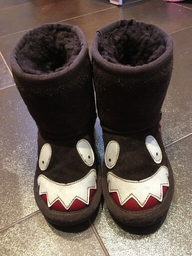 5746e9f3b7a Genuine Ugg Boots (boy Or Girl) Eu 26-27 Uk Approx 7-8 | in Baildon, West  Yorkshire | Gumtree