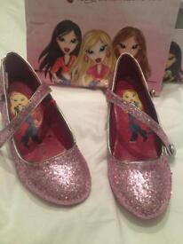 Girls Pink Glitter Bratz Shoes. UK Size 1. Ideal for Halloween