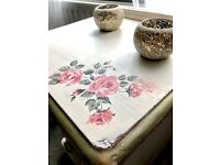 Cute shabby chic side table/ drawers