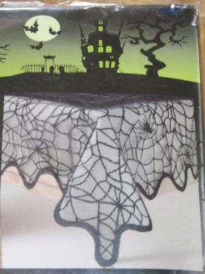 70 Square Halloween Tablecloth (52