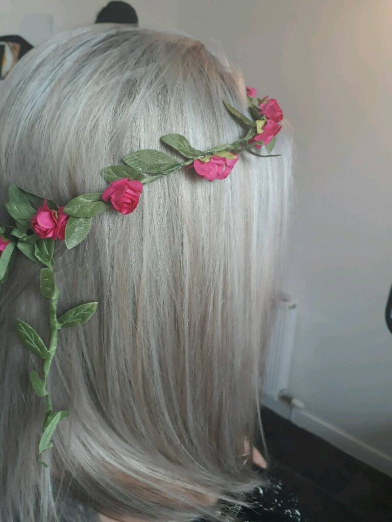 HAIR AT HOME. MOBILE HAIRDRESSER