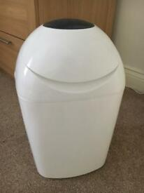 Tommee Tippee Sangenic nappy bin white