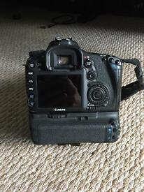 Canon 7D kit (Battery grip, flashgun and memory card!