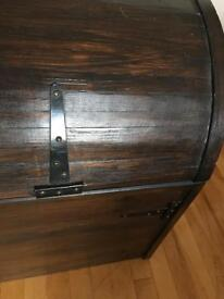 Solid heavy storage trunk/chest
