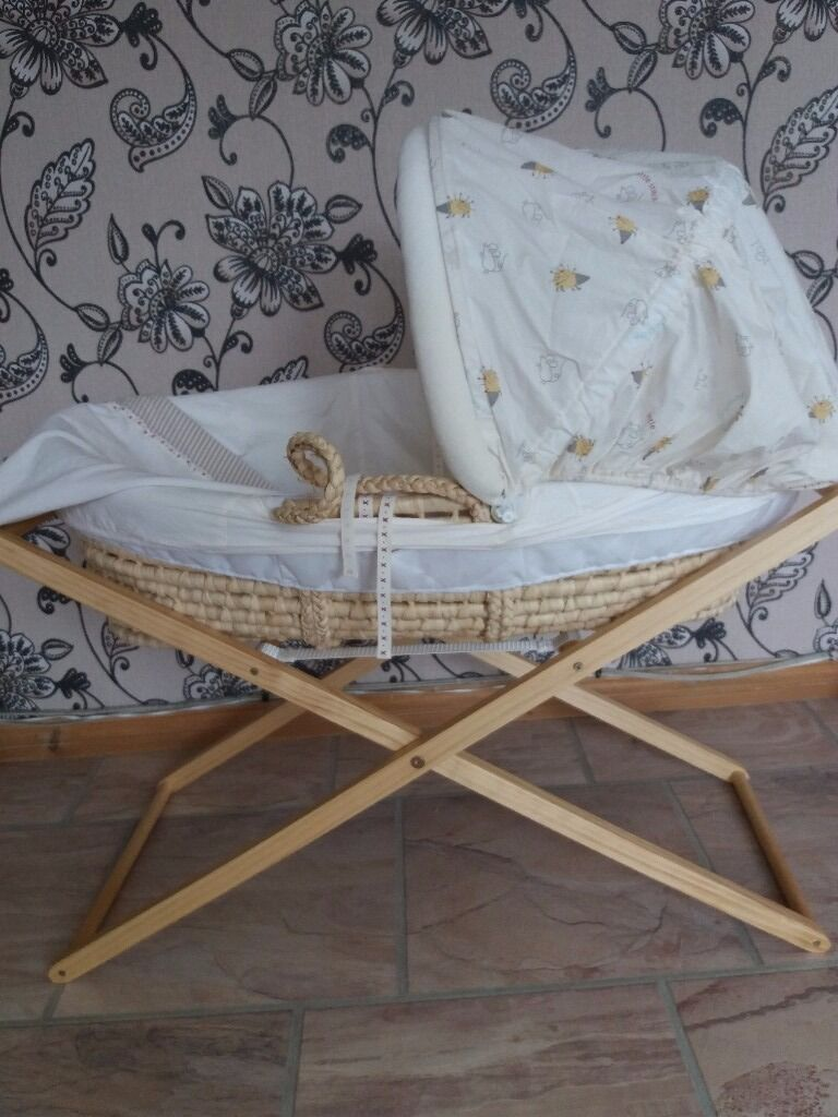 MOSES BASKET - Precious Bear -like new