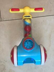 Baby pop & ball machine walker