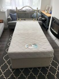 Single divan bed with memory foam mattress, 2 drawers and removable head board