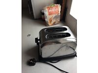 Cookworks stainless steel toaster this toaster in good condition Call or text if you interested