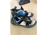 Scarpa climbiing shoes size 10