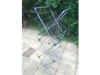 CLOTHES AIRER LIKE NEW - VERTICAL FOLDABLE