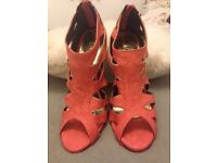 Coral sandals size 6