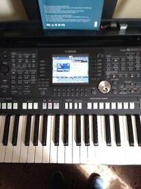 Yamaha PSR s 950 workstation.