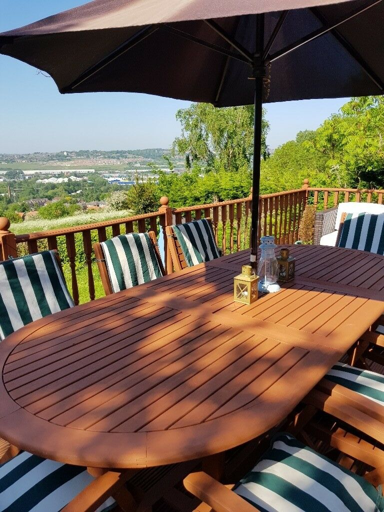 8 seater extendable garden table/chairs/parasol.   in ...