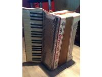 Royal standard accordion