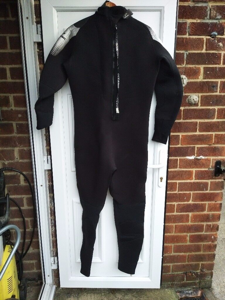 OCEANIC SHADDOW SEMI DRY SUIT SIZE XL.