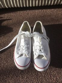 Converse ladies white low tops size 6