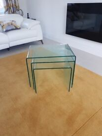 NEST OF 3 CLEAR GLASS TABLES