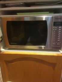 PANASONIC 900w FAMILY SIZE INVERTER MICROWAVE OVEN WITH SENSOR STAINLESS FINISH