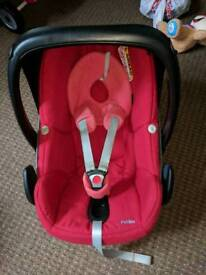 Maxi Cosi car seat and baby carrier