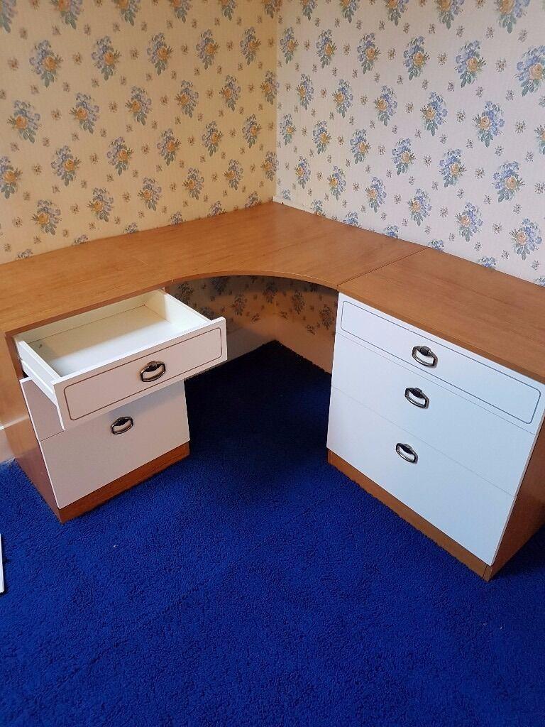 Corner Desk With  Drawers Unit