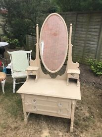 Antique dressing table with detachable mirror