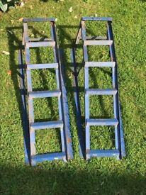 Pair of standard car ramps (2nd hand)