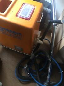 Industrial carpet cleaner