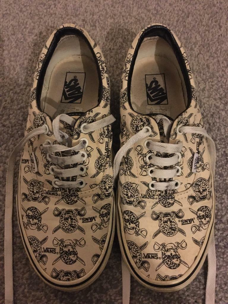 Vans shoes trainers size UK 8 | in Bromley, London | Gumtree